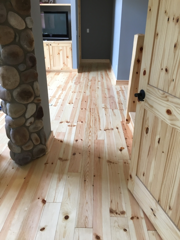 Knotty pine flooring pine decking woodworkers shoppe for Knotty laminate flooring