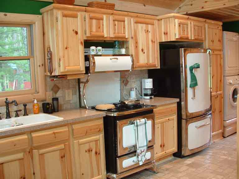Pantry Cabinet: Pine Pantry Cabinet with Antique Pine Pantry ...