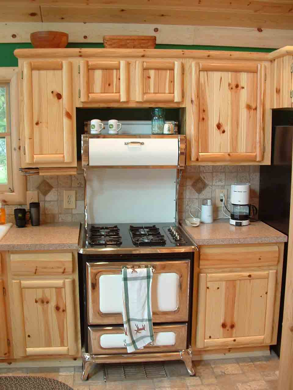 Knotty pine kitchen cabinets wholesale roselawnlutheran for Kitchen cabinets cheap