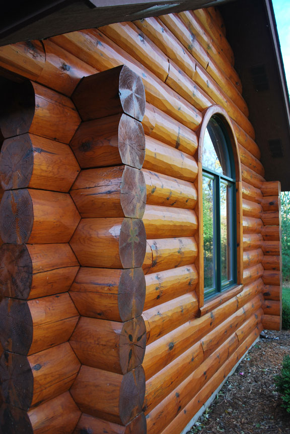 Log Home Saddle Notch Corners