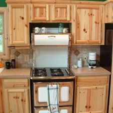07Knotty_Pine_Cabinetry