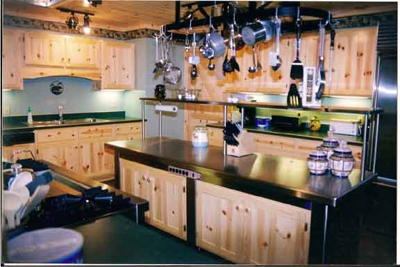 Knotty Pine Shaker Style Kitchen