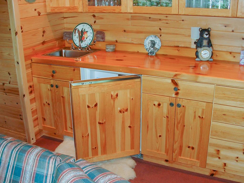 Knotty Pine Shaker Style w/Refrigerator Door