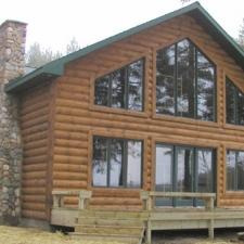 Vertical Pine Log Corner