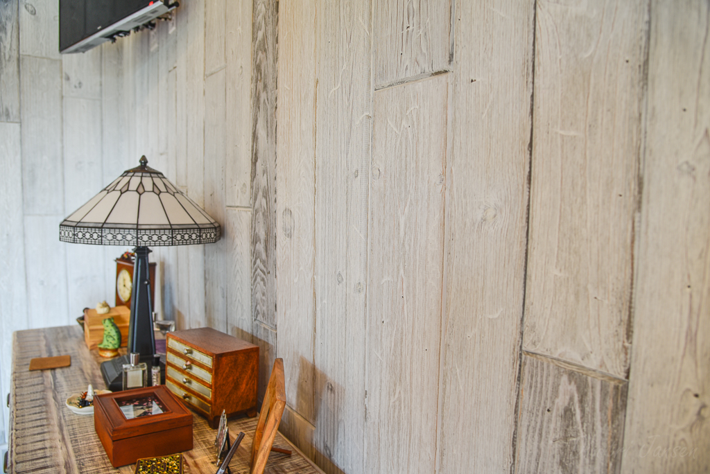 Why You Should Use Weathered Paneling Instead of Reclaimed Wood