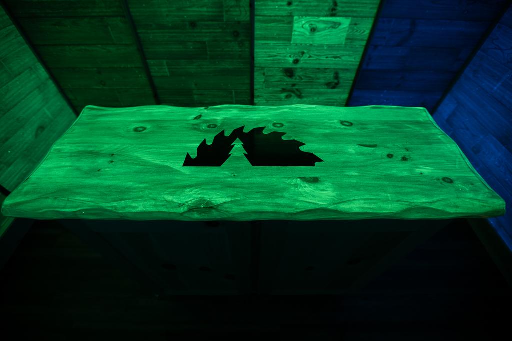 Lumi-wood Room 3 - Lights Off