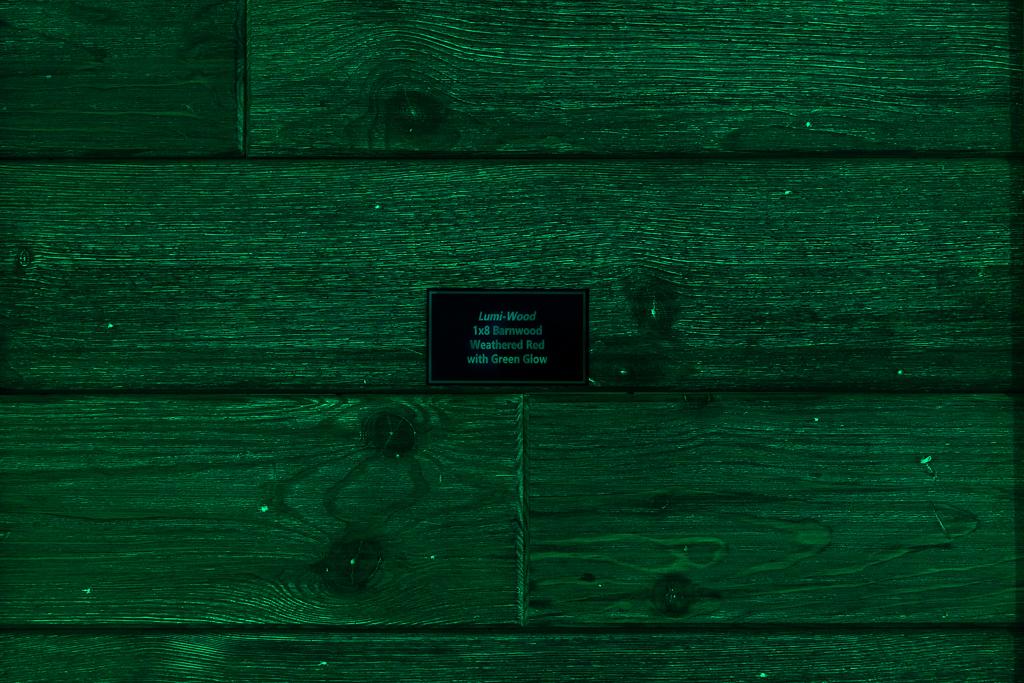 1x8 Barnwood Weathered Red w/Green Glow