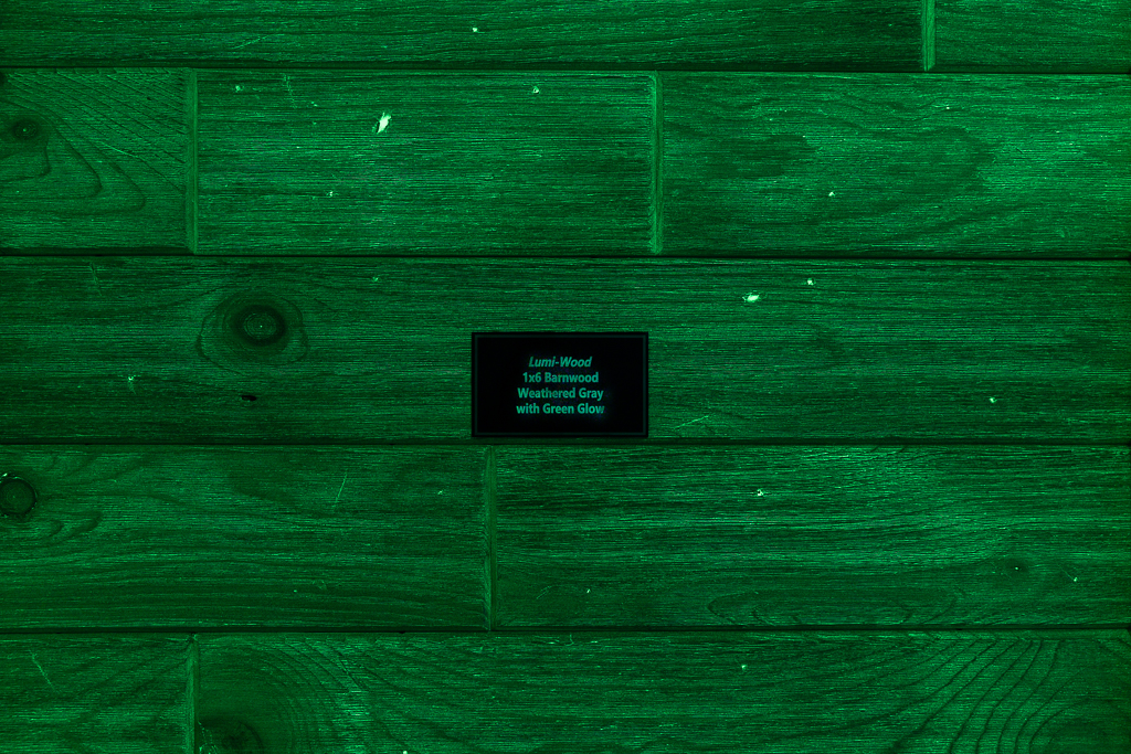 1x6 Barnwood Weathered Gray w/Green Glow