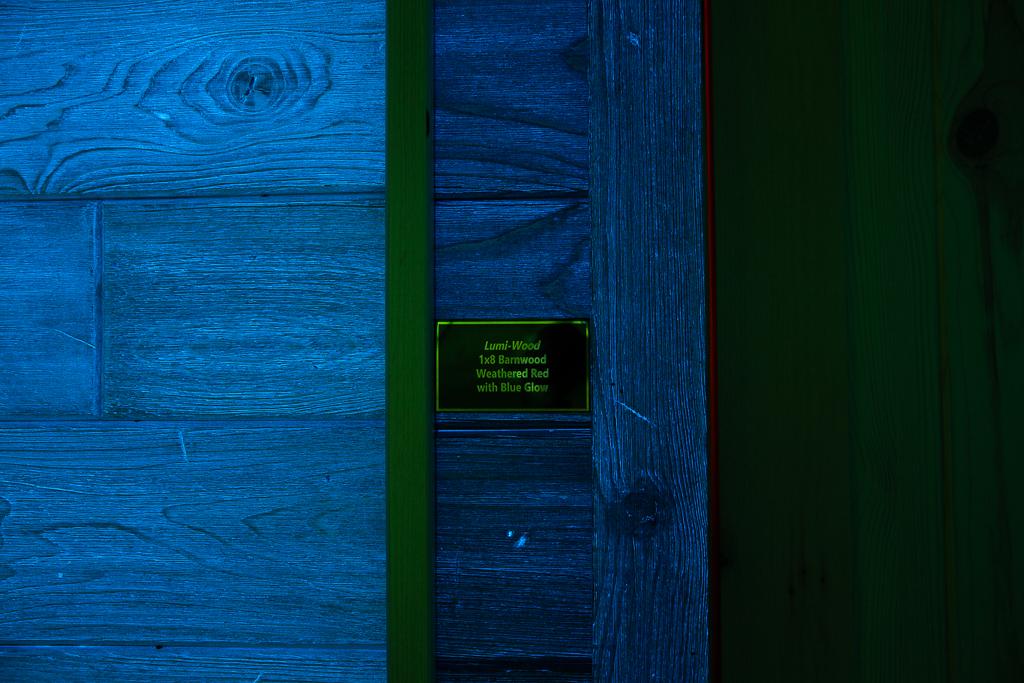 Barnwood Weathered Red w/Blue Glow